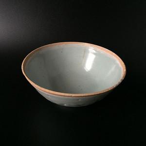 极美品天青釉莲瓣茶碗