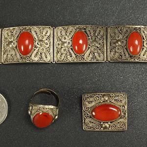 晚清 纯银花丝镶嵌天然红玛瑙 戒指 胸花 手镯