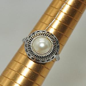 3克镶珍珠戒指