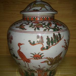 红緑彩花鸟盖罐