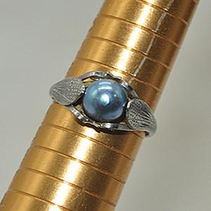 2.3克镶珍珠戒指
