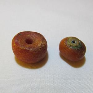 3.27g天然老蜜蜡珠子2个