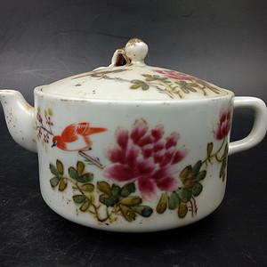 回流近代仿同治瓷茶壶摆件