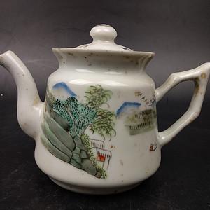 回流近代景德镇瓷茶壶摆件