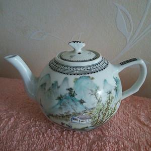 联盟 回流粉彩山水茶壶