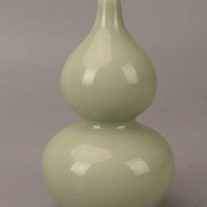 欧洲回流豆青釉葫芦瓶