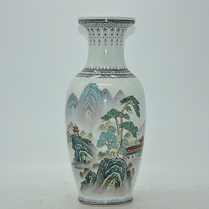 创汇期景德镇山水通景瓷瓶