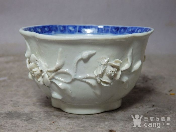 乾隆青花高浮雕海棠杯图2