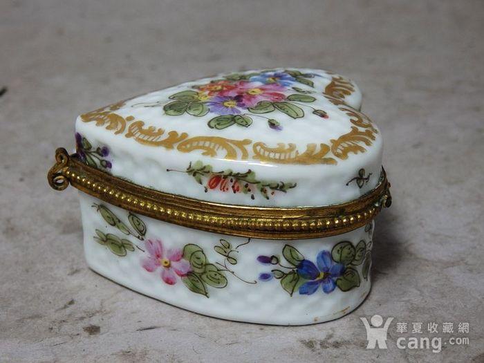 维多利亚时期粉彩心形首饰盒图2