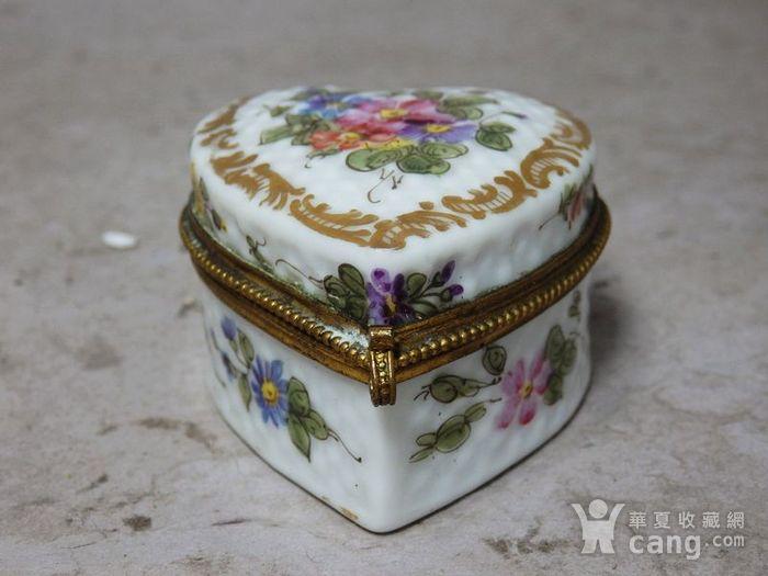维多利亚时期粉彩心形首饰盒图1