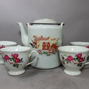 文革时期凤穿牡丹绘画茶具一套