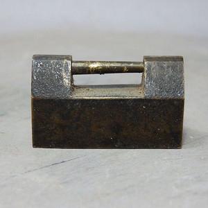 清代铜制小锁