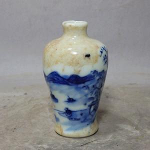 清代哥釉青花山水绘画小梅瓶