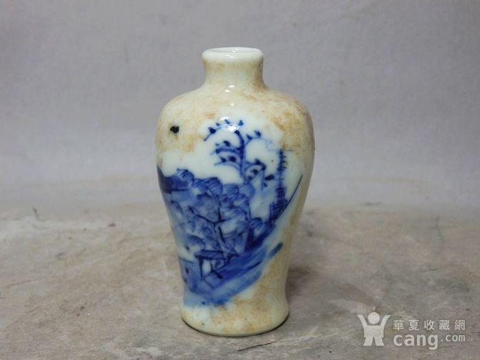 清代哥釉青花山水绘画小梅瓶图2