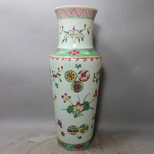 清代粉彩花卉皮球花绘画赏瓶