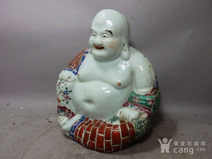 清代粉彩红袈裟弥勒佛塑像图2