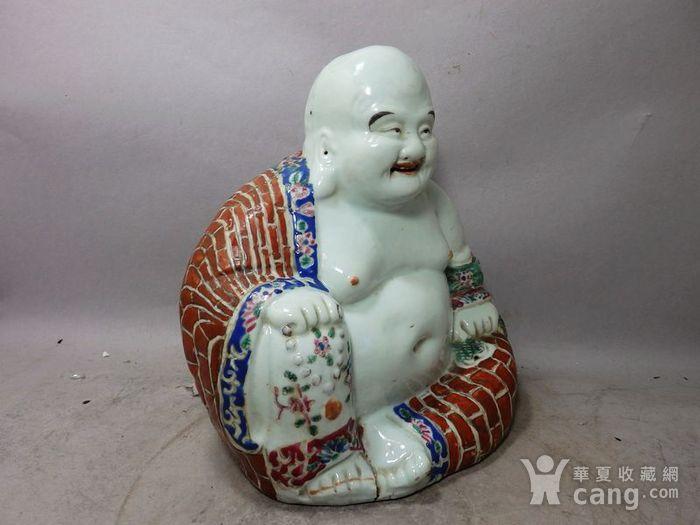 清代粉彩红袈裟弥勒佛塑像图3