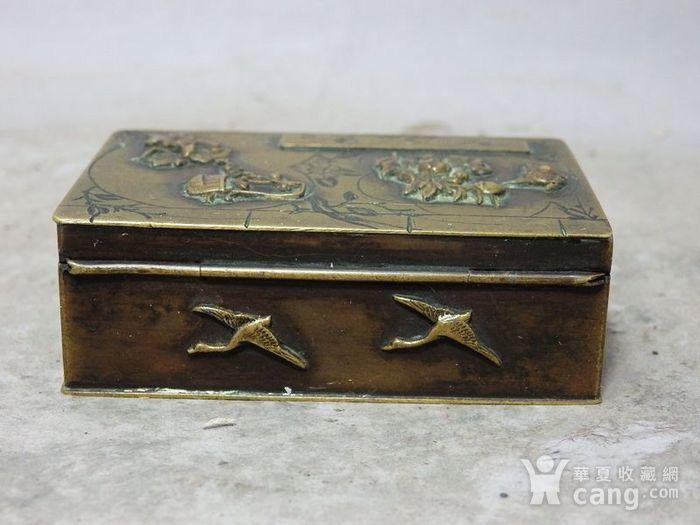 清代铜雕清供花鸟印盒图3