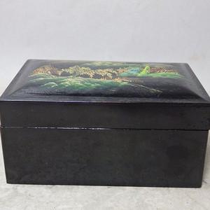 民国漆器山水绘画四方盖盒
