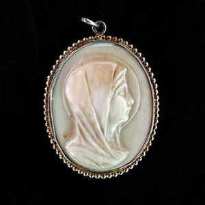 欧洲回流珍稀材质精品修女银鎏金吊坠