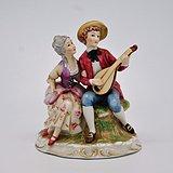 瓷塑彩绘西洋人物摆件