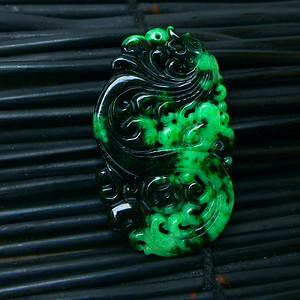 冰润满绿精雕复古龙吊坠