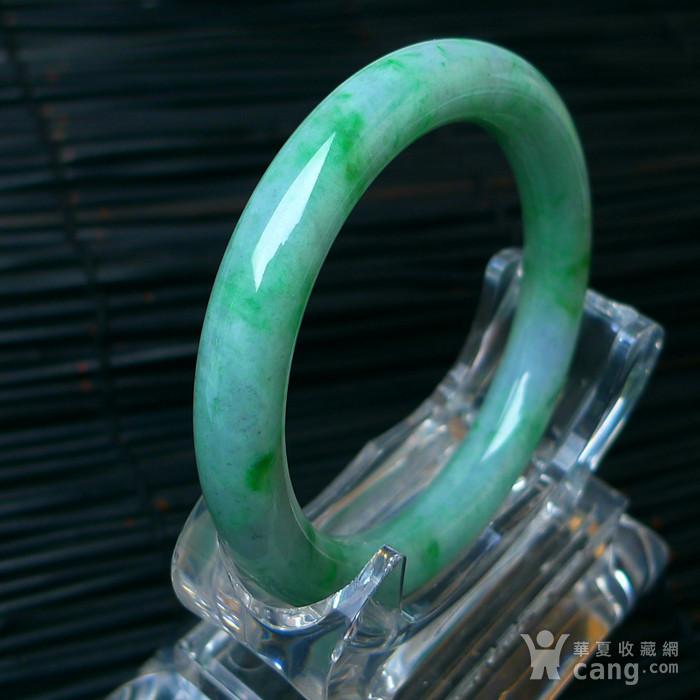 冰润飘绿圆条手镯图6