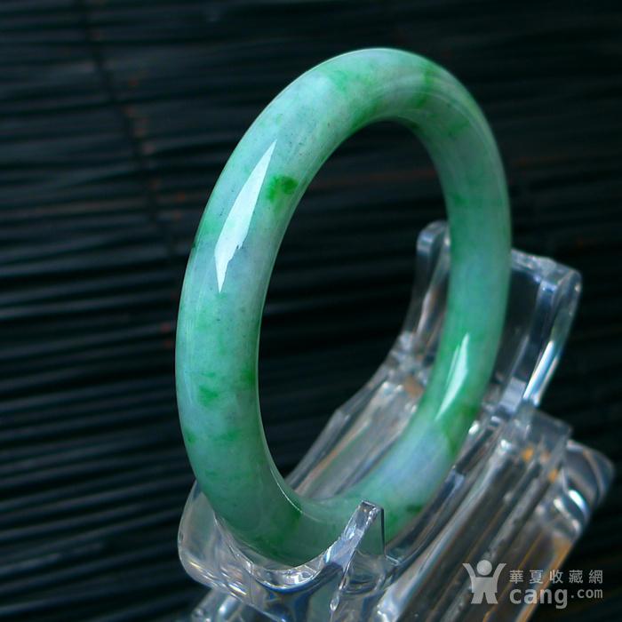 冰润飘绿圆条手镯图4