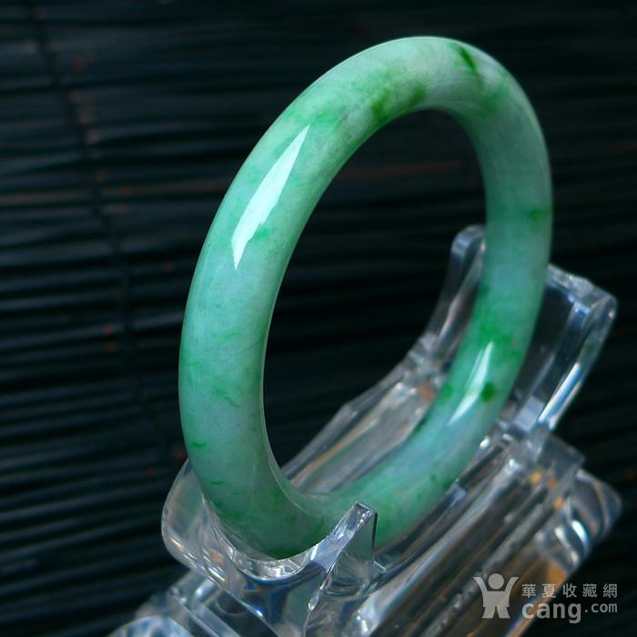 冰润飘绿圆条手镯图5