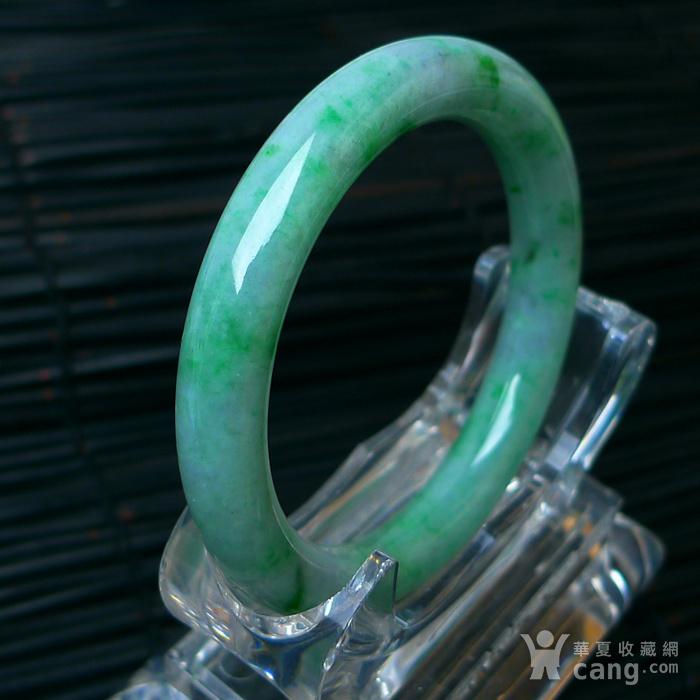 冰润飘绿圆条手镯图7
