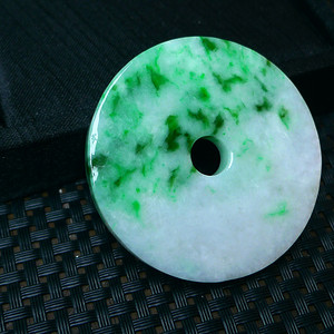 冰润飘绿平安扣挂件