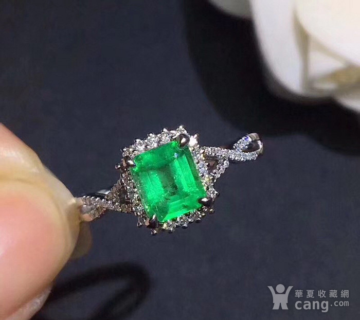 联盟 925纯银镶嵌天然祖母绿宝石戒指 活口图1