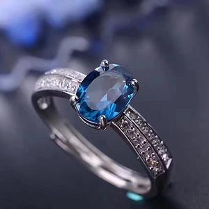 联盟 天然托帕石伦敦蓝宝石戒指一枚 活口