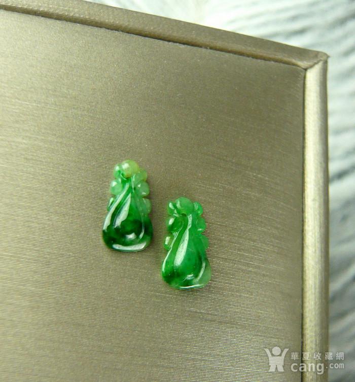 天然A货缅甸老冰种辣绿翡翠如意一对图2