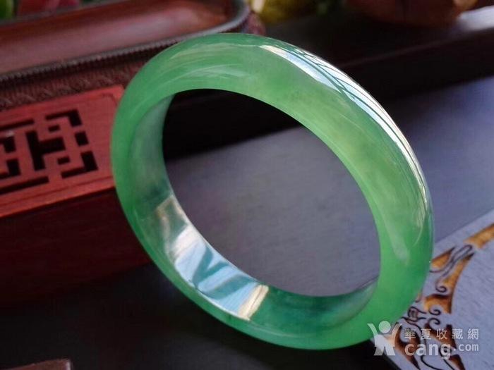 天然A货翡翠起光老坑种冰绿宽边手镯收藏珍品图2