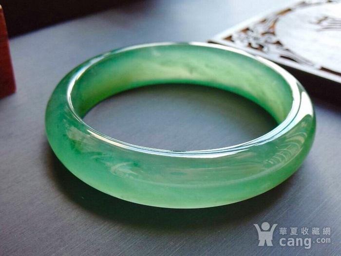 天然A货翡翠起光老坑种冰绿宽边手镯收藏珍品图5