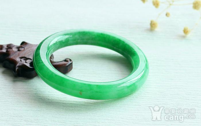 天然A货翡翠满阳绿圆条手镯图5
