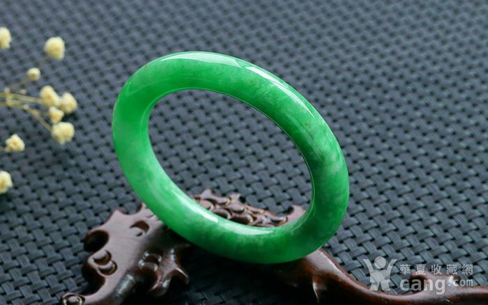 天然A货翡翠满阳绿圆条手镯图1