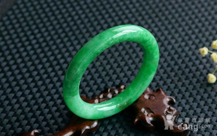 天然A货翡翠满阳绿圆条手镯图3