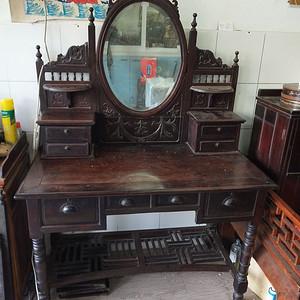 红酸枝梳妆台