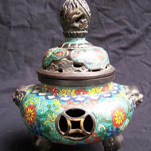 联盟    清代康熙年制款景泰蓝龙钮铜熏炉