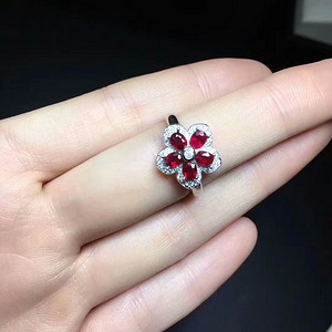 40 天然缅甸鸽血红宝石戒指