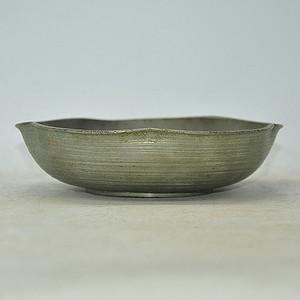 日本梅型铸花锡碗