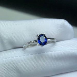 132 925银镶嵌天然斯里兰卡皇家蓝蓝宝石戒指