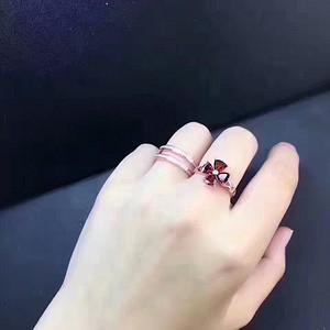 138 新款两戴款 石榴石戒指