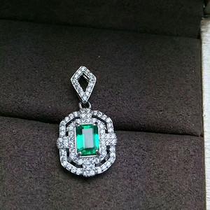 152 935银镶天然祖母绿宝石吊坠