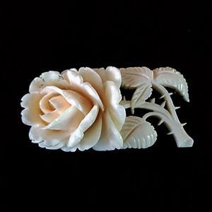 欧洲回流珍稀材质5克精品玫瑰花胸针