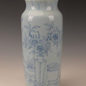 欧洲回六蓝上蓝花卉桶瓶
