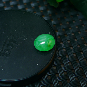 冰种满绿蛋型戒面