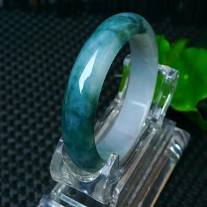 冰润带绿宽边手镯